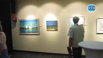 """Изложбата """"Духовни ценности"""" в Плевен  радва ценителите на живописта"""