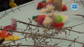 В работилница за сурвачки децата на Смолян учат за родопските традиции и обичаи, свързани с Коледа и Нова година