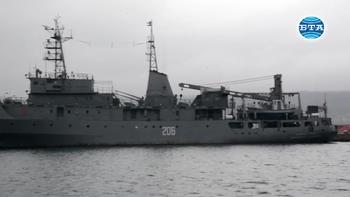 Министър Каракачанов участва в отбелязването на 120 години от създаването на Военноморска база Варна
