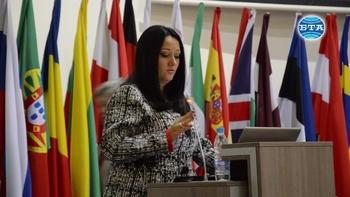 Министър Лиляна Павлова на среща дискусия в Стара Загора
