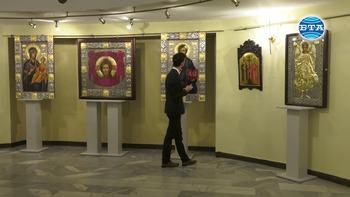 """Изложба иконопис и живопис под наслов """"Профундо"""" се открива днес в зала """"България"""""""