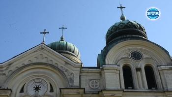 """121 години часовникът на храм """"Св. Димитър"""" във Видин отмерва времето"""