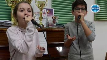 """Песента """"Нека заедно стоплим света"""" спечели тазгодишния конкурс за коледна песен на Общинския младежки център в Добрич"""