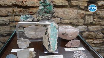 """Изложбата """"Съкровищата на Земята"""" гостува в """"Двореца"""" в Балчик"""