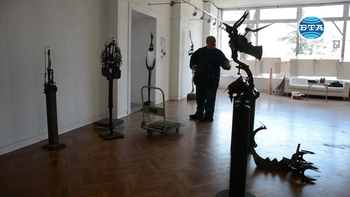 Скулпторът Огнян Петков с изложба в Бургас