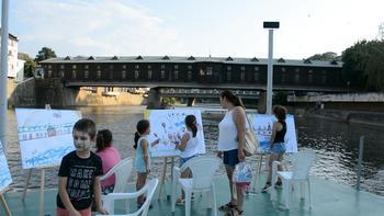 """Концерти на """"плаваща"""" сцена в река Осъм радват жителите и гостите на Ловеч"""