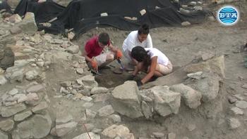 Студентска археологическа експедиция проучва тракийския и античен град Кабиле край Ямбол