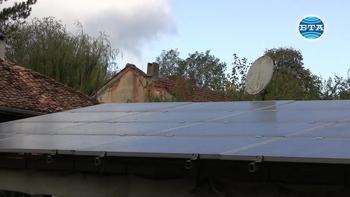През последните години все повече хора се ориентират към монтиране на фотоволтаична мощност в домовете си, коментира експерт
