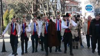 За втора поредна година Хасково бе домакин на Фестивал на коледарските и маскарадни групи