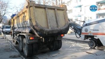 """Започна ремонтът на бул. """"Приморски"""" във Варна"""