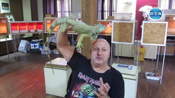 Изложба с живи влечуги предизвиква любопитството на малки и големи в Плевен