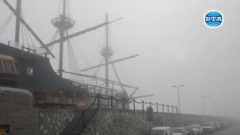 Гъста мъгла затвори пристанище Варна