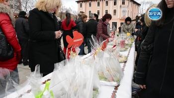 Враца възроди старата традиция да се чества Никулден на централния площад