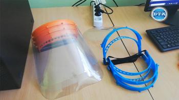 В сливенско училище изработват предпазни шлемове чрез 3D технология
