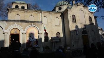 Във Варна отбелязаха днешния празник с военен ритуал и молебен