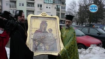 Чудотворна икона от Украйна пристигна в Русе