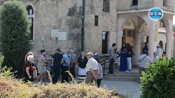 """Храмов празник на арменската църква """"Сурп Хач"""" в Бургас"""