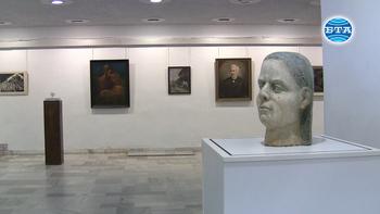 """Регионалната библиотека  във Велико Търново празнува 40 години отдел """"Изкуство"""""""
