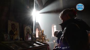 Врачанският митрополит Григорий отслужи тържествена света литургия и благослови лозята