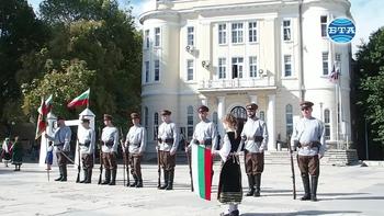 """С възстановката """"Посрещане на цар Фердинанд"""" честваха Независимостта на България в Пловдив"""