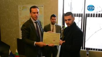 """Пламен Карашев получи наградата """"Бург на годината"""""""