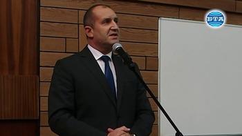 Безконтролната власт ражда цинизъм, заяви президентът Румен Радев в Пловдив
