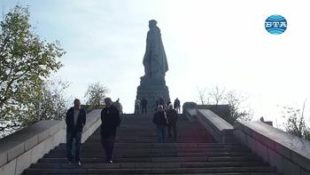 """60 години от построяването на паметника """"Альоша"""" честваха в Пловдив"""