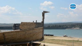 За първи път в света Атанас Димитров прави реконструкция на тракийски птицеглав боен кораб отпреди 3200 години