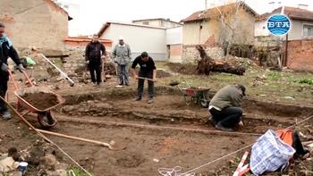 Сграда от римската епоха откриха археолози при разкопки в Мездра
