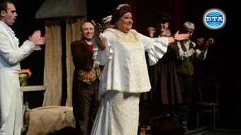 Бургаска актриса Димитрина Тенева отбеляза своя 70-годишен юбилей с бенефисен спектакъл