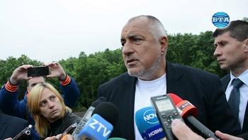 """Премиерът Бойко Борисов инспектира изграждането на участъка от АМ """"Хемус"""" от п. в. """"Боаза"""" до п.в. """"Плевен"""""""