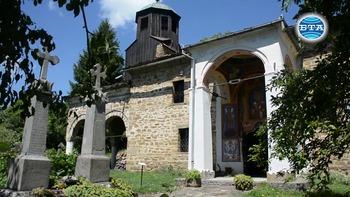 """Църквата """"Св. Николай Летни"""" в троянското село Гумощник предстои да придобие статут на обект от национално значение"""