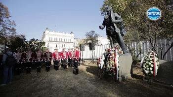 Празникът на авиацията и Българските военновъздушни сили бе тържествено отбелязан днес пред Паметника на българския летец