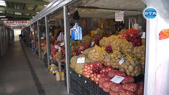 Все по-малко клиенти и работещи сергии на пазара в Асеновград