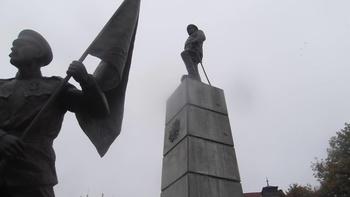 В Плевен бе открит паметник на Девета пехотна Плевенска дивизия от вицепремиера и министър на отбраната Красимир Каракачанов