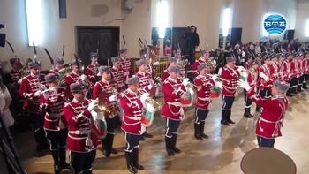 В Плевен вторият у нас ученически гвардейски отряд получи своето знаме