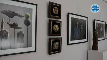 Художникът Ненчо Русев откри изложба в Бургас по повод 75-годишнината си
