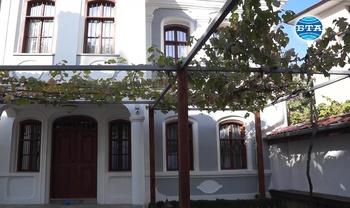 Родната къща на видния индустриалец Иван Грозев в Карлово от днес отваря врати за посетители