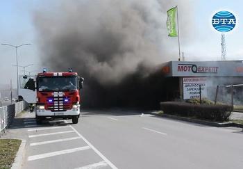 Пожар горя в района на Сточна гара - Варна