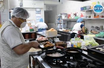 Механа в Орешак предоставя безплатен обяд за медиците на първа линия в Троян