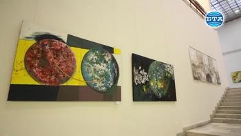 """Млади и утвърдени творци представят своите интерпретации за любовта и виното в изложбата """"Арт Розалиада"""""""