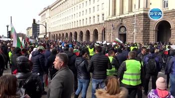 Ресторантьори и хотелиери излязоха на протест заради Наредба Н-18
