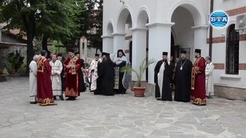 Българският патриарх Неофит пристигна в Стара Загора, за да присъства на тридневните официални чествания на 50-та годишнина от интронизацията на Старозагорския митрополит Панкратий