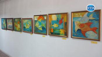 """Художничката Даря Евтимова откри изложба """"Настроения"""" в галерия """"Кракра"""""""