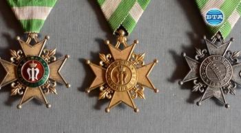 Стотици ордени и медали съхранява в колекцията си старозагорецът Николай Гичев