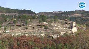 """Представителен архитектурен комплекс от 13 век е разкрит при разкопки на крепостта """"Трапезица"""""""