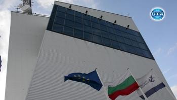 """Танкерът """"Бадр"""" е върнат на бургаското пристанище"""
