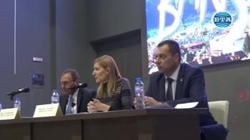 Министър Ангелкова обсъди с представители на институциите в Банско готовността за зимния туристически сезон