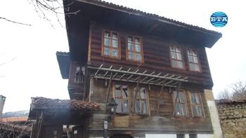 """Над 4 хиляди експоната от бита на възрожденските котленци могат да се видят в музея """"Кьорпеевата къща"""" в Котел"""
