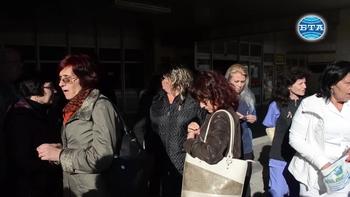 Медицинските сестри от МБАЛ-Добрич излязоха на протест